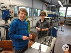 Nico und Florim als Mechatroniker