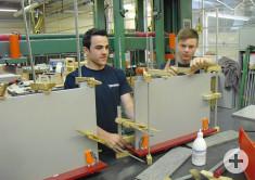 Azubis bauen Prototypen und fertigen die Schubladen